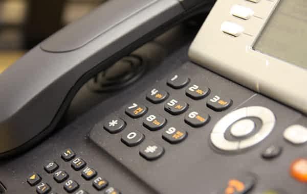 Прямая телефонная линия с заместителем Председателя Госпогранкомитета генерал-ма...