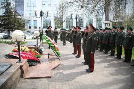 В преддверии Дня Победы пограничники почтили память советских воинов