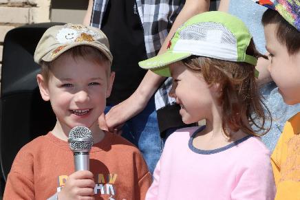 Пограничники организовали праздник для детей Белыничской школы-интерната