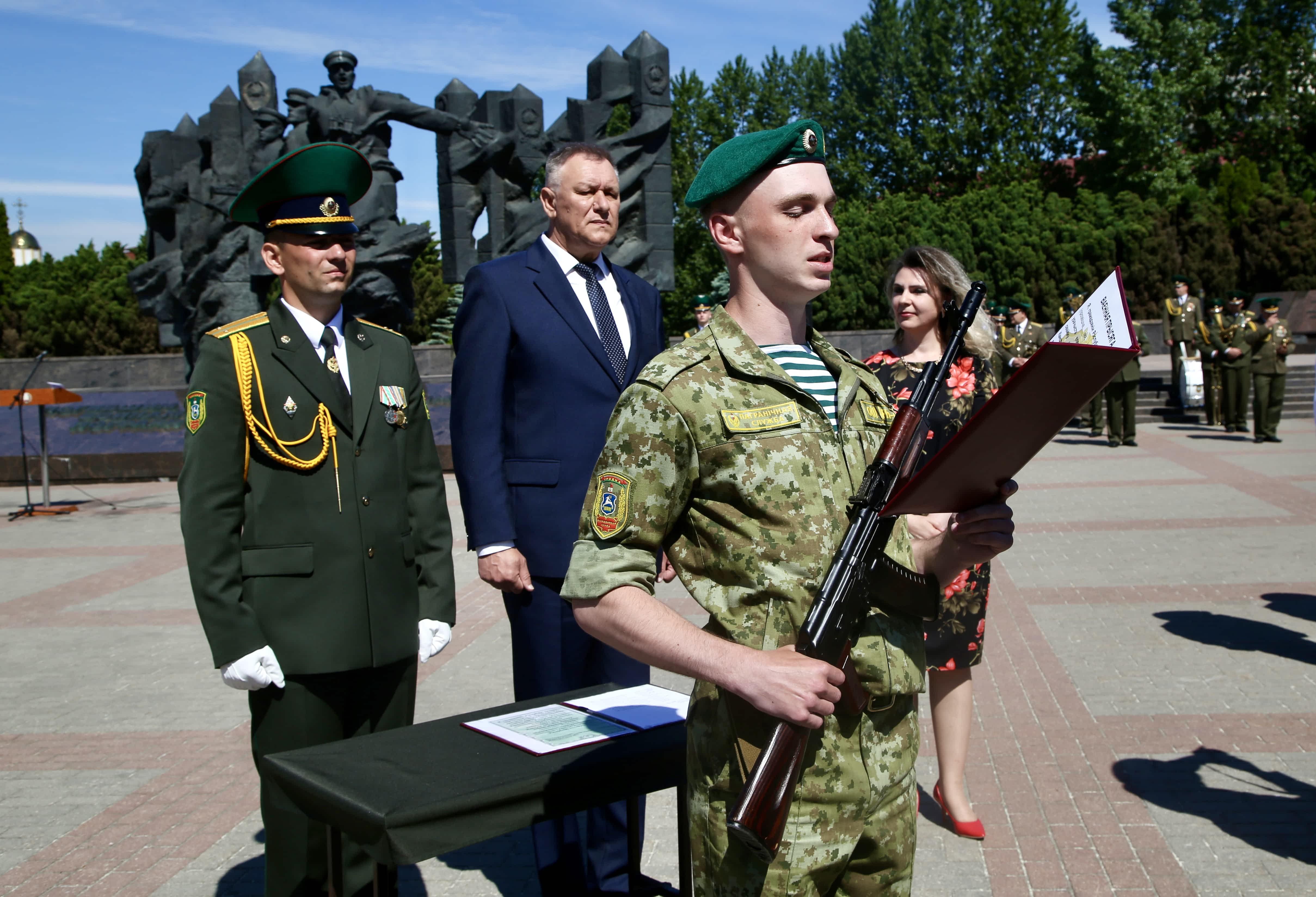 Пограничники-новобранцы приняли Военную присягу