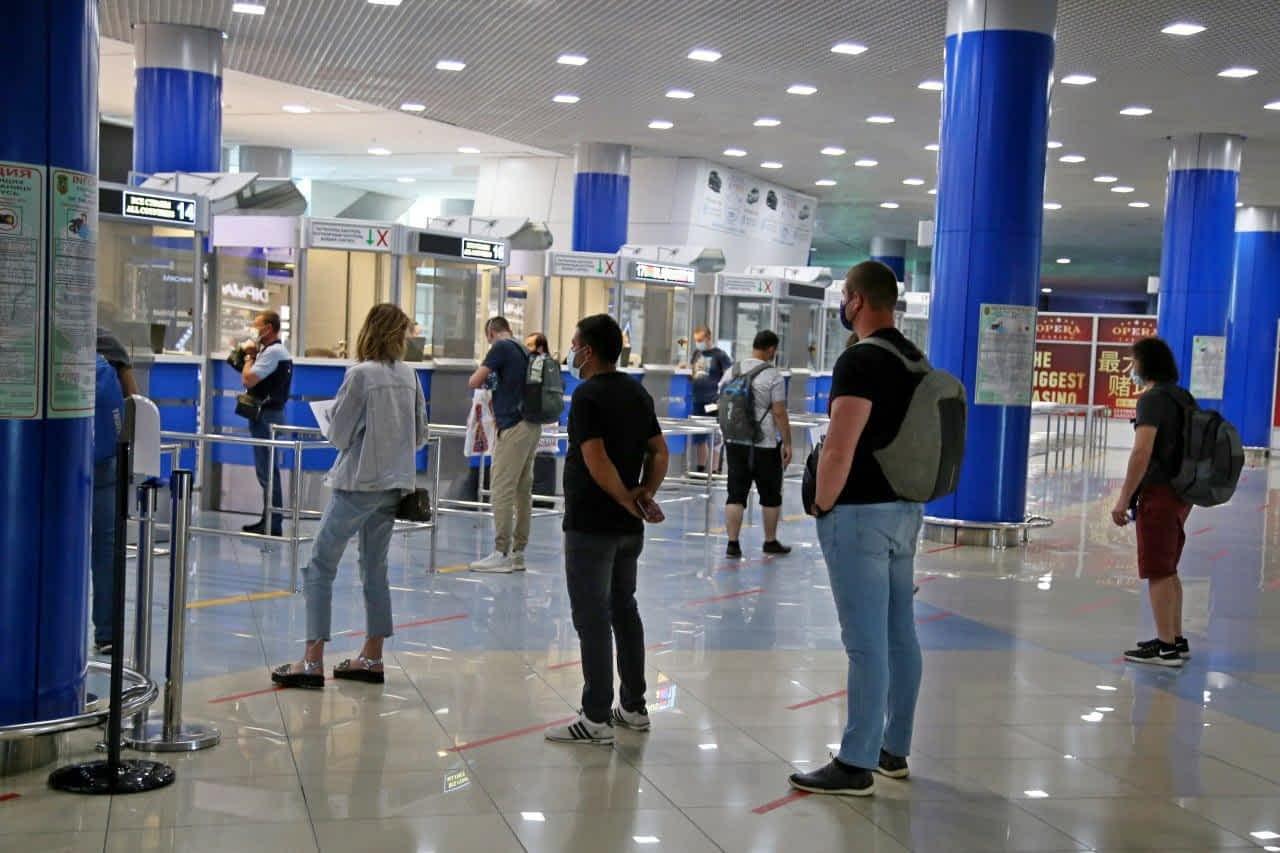 Гражданки Ирана с чужими паспортами задержаны в столичном аэропорту