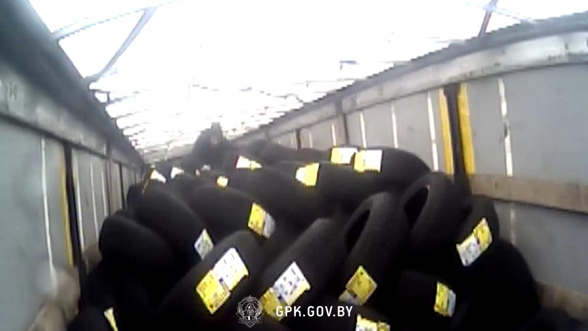 У пункті пропуску Козловичі в автопоїзді виявлено нелегал з Афганістану