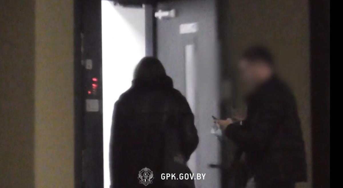 Пограничники задержали иностранца, вывозившего из страны белорусок для занятия проституцией